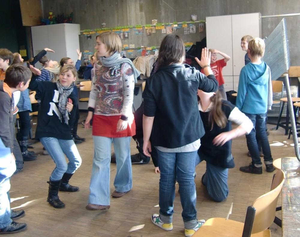 Foto einer spielpraktischen Nachbereitung im Gymnasium