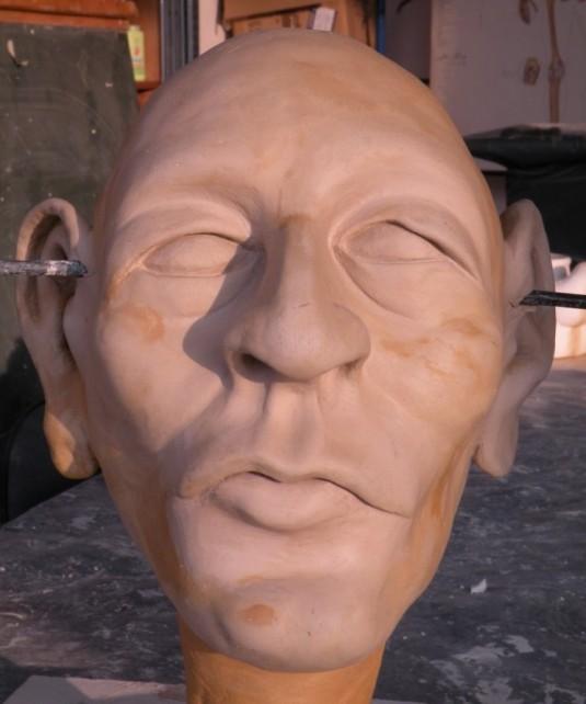modellierter Kopf aus Ton