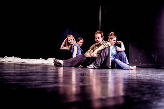 Präsentation Choreographieprojekt, Halprin-Gruppenchoreo; Foto: Oliver Röckle