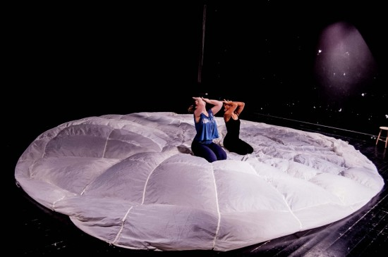 Präsentation Choreographieprojekt, Duo mir Samira Lehmann; Foto: Oliver Röckle