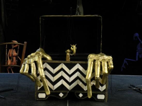 Goldene Hände, Probenfoto 'Wunderkammer'