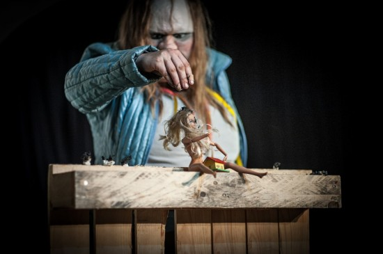 Szenenfoto 'Die Dicke spielt Medea'; Foto: Oliver Röckle, Stuttgart