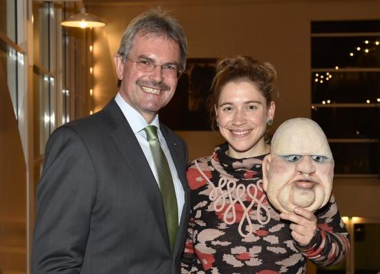 Ich mit dem Landrat Karl Wilfing bei der Eröffnung der Puppentheatertage Mistelbach; Foto: NLK/Reinberger