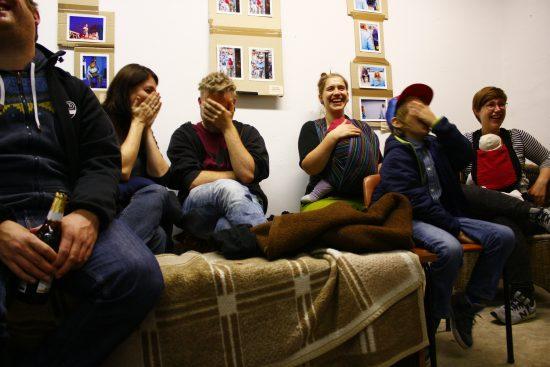 Das Publikum im 'Atelier: fiese 8' hat seinen Spaß.