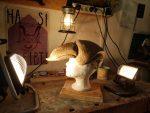 Blick in die Werkstatt des Atelier fiese8 zur Entstehung der Schnabelmasken von Papageno und Papagena als Notfall Maskenbau-Auftrag für das Goethe-Theater Bad Lauchstädt