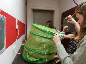 Upcycling-Figur die im Rahmen eines Workshops, des Treffens 'Schultheater der Länder 2019' in Halle (Saale), im Atelier fiese8 enstand.