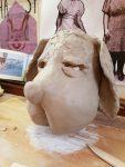 Weiterentwicklung der Hundemaske aus Ton