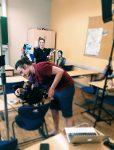 """Dreh für Videodokumentation der Produktion """"Seid bereit - immer bereit? Jung sein in der DDR"""" mit Figurenspielerin Julia Raab, an der Kamera Matthias Reger"""